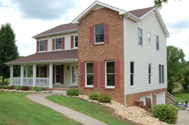 868 S Ridge Trl, Clarksville, TN 37043