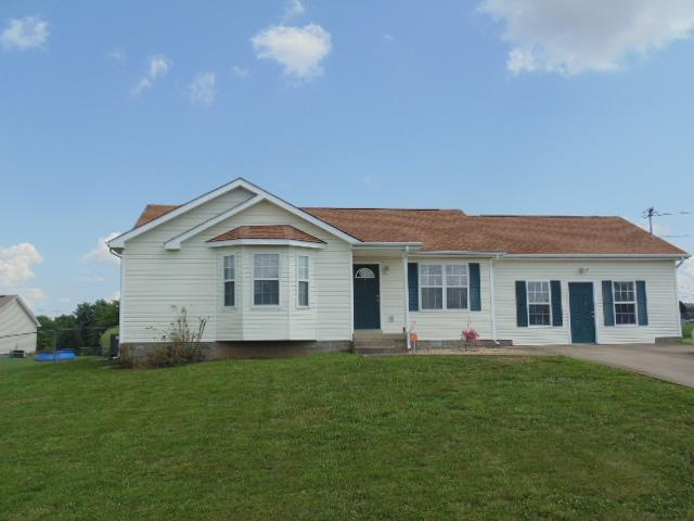 102 Bowers Ct, Oak Grove, KY 42262