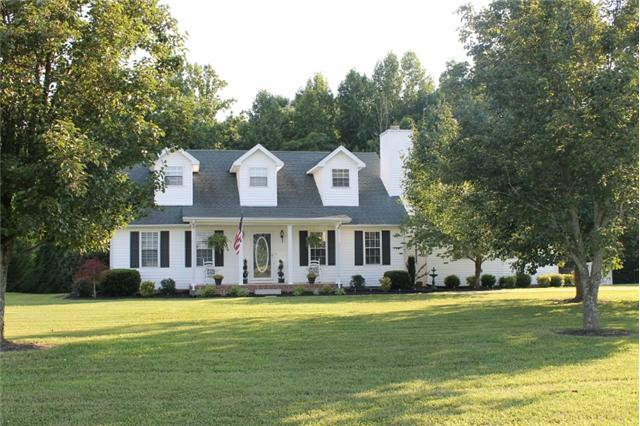 504 Old Snow Hill Rd, Dowelltown, TN 37059