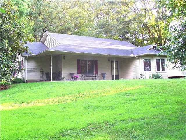 2065 Rutledge Ford Rd, Decherd, TN 37324
