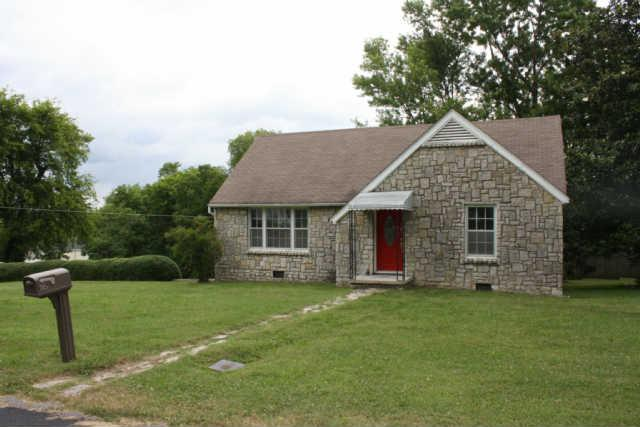 305 8th Ave S, Lewisburg, TN 37091