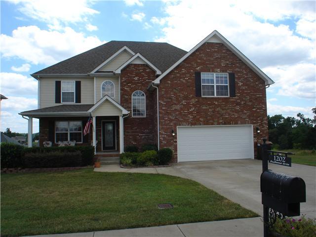 1202 Castlewood Dr, Clarksville, TN 37040