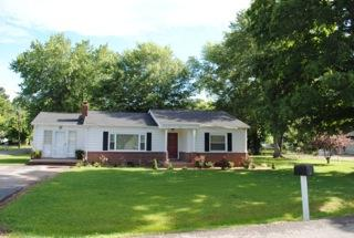 100 Truman St, Waverly, TN 37185