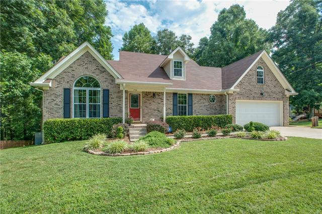 738 Lone Oak Dr, Pegram, TN 37143