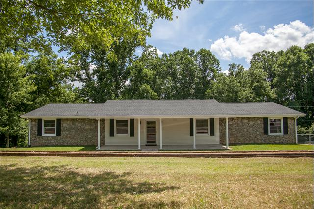 1777 Edgar Dillard Rd, Greenbrier, TN 37073