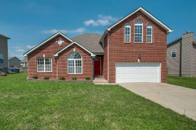 136 Mary Joe Martin Dr, La Vergne, TN 37086