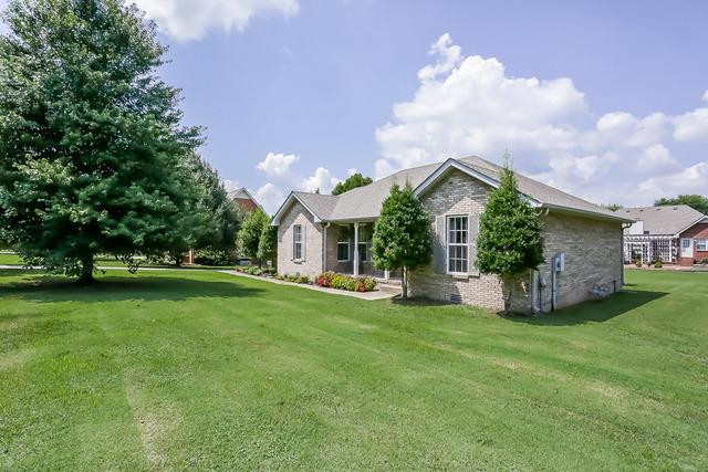 1709 Hollow Oak Dr, Lebanon, TN 37087