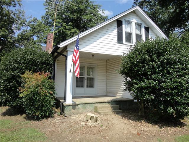 304 W Main St, Smithville, TN 37166