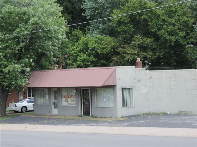 726 5th Ave W, Springfield, TN 37172