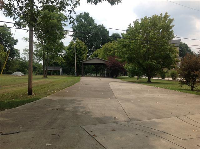 1529 Matlock Dr, Chapmansboro, TN 37035