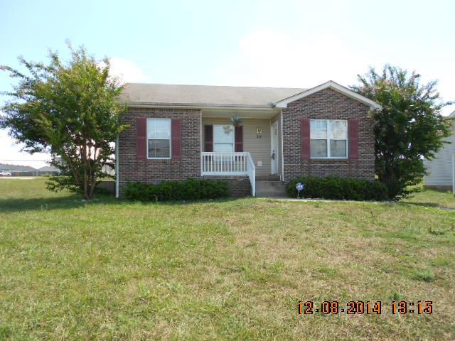 320 Lansinger Ln, Clarksville, TN 37042