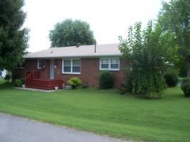 418 Charity Ln, Smithville, TN 37166
