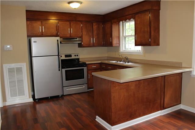 2629 Lake Rd, Woodlawn, TN 37191