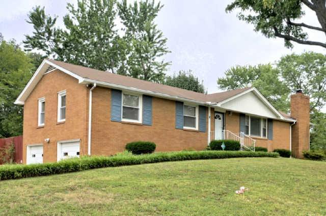 1 Dalewood Dr, Clarksville, TN 37042