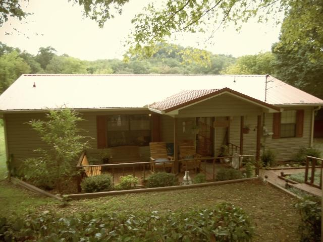 14 Lincoln Lake Rd, Kelso, TN 37348