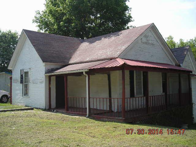 305 Church St, Petersburg, TN 37144