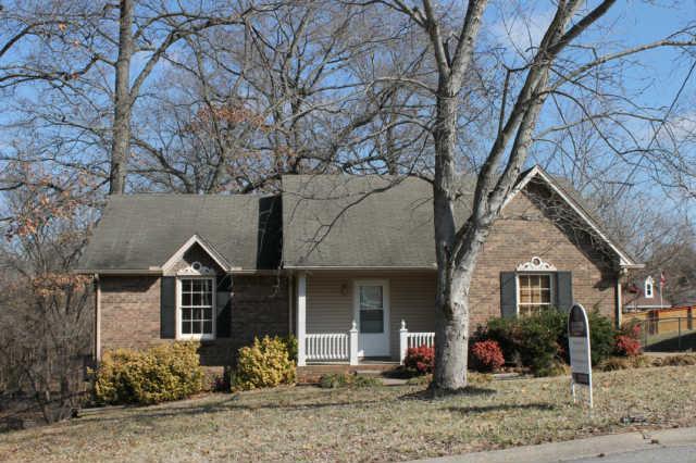 617 Ranch Hill Dr, Clarksville, TN 37042