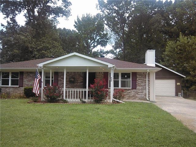 529 Roselawn Dr, Clarksville, TN 37042