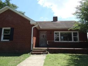 612 Crestview Dr, Springfield, TN 37172