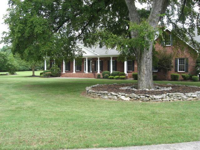 141 Spence Creek Ln, Murfreesboro, TN 37128