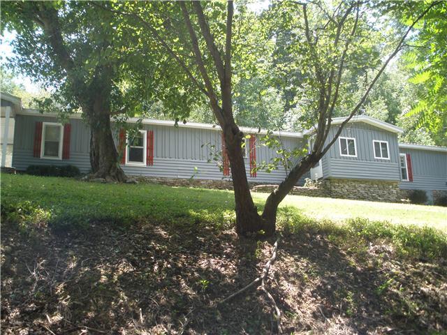 1111 Maxwell Hill Rd, Pulaski, TN 38478