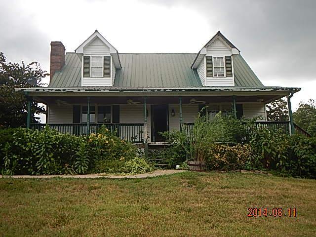 6323 Buzzard Creek Rd, Cedar Hill, TN 37032