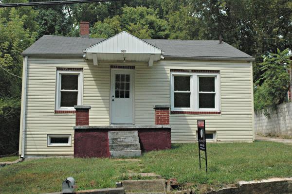 521 7th Ave W, Springfield, TN 37172