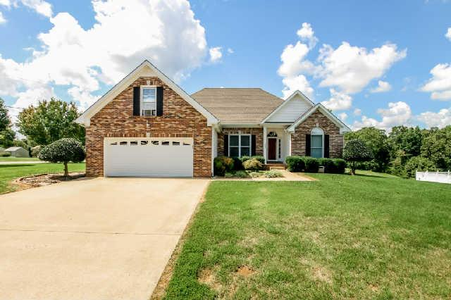 1582 Rosebury Ln, Clarksville, TN 37043