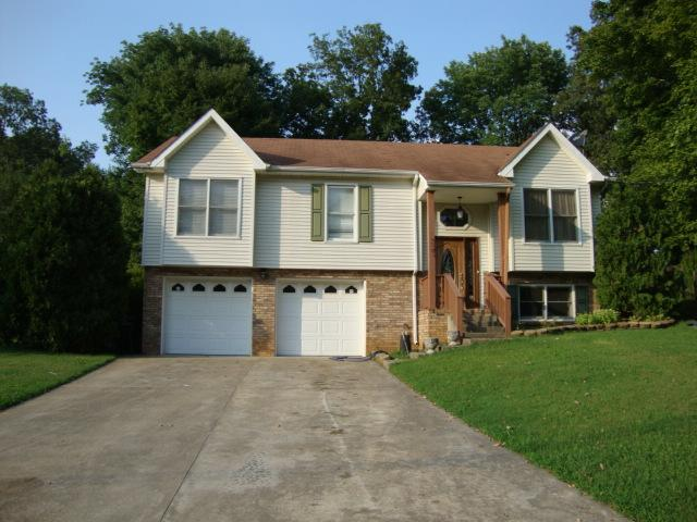 327 Andrew Dr, Clarksville, TN 37042