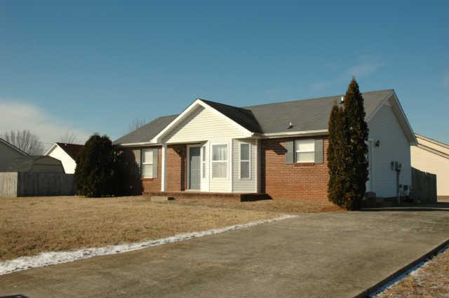 1310 Chucker Dr, Clarksville, TN 37042