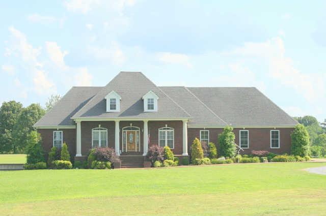 280 Colonial Rd, Hohenwald, TN 38462