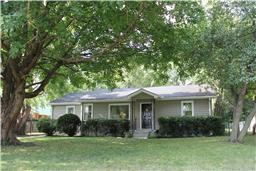 918 Velma Ln, Murfreesboro, TN 37129