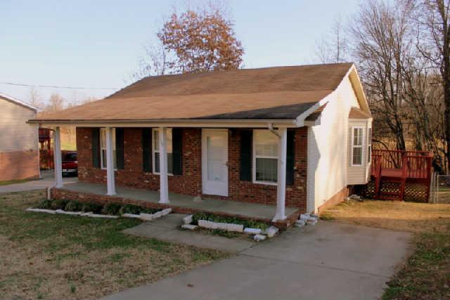 330 Donna Dr, Clarksville, TN 37042