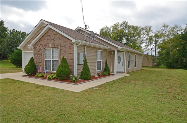 105 Garden Dr, Shelbyville, TN 37160