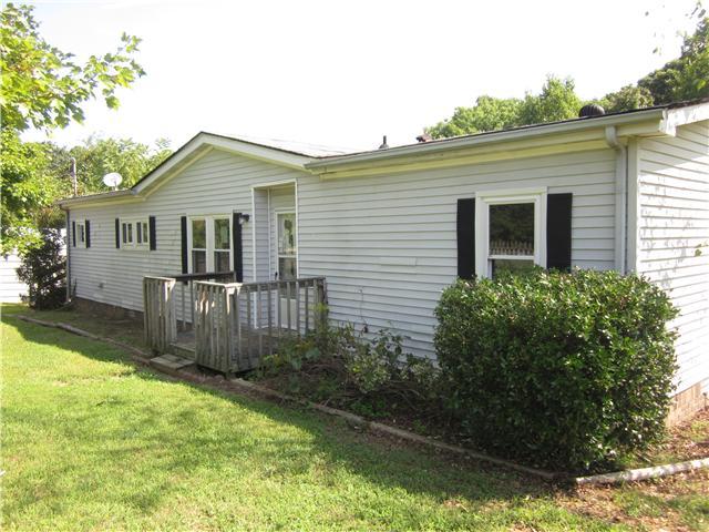 676 Bobbitt Rd, Ashland City, TN 37015