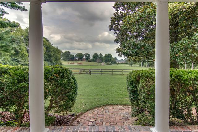 413 Rutherford Ln, Columbia, TN 38401