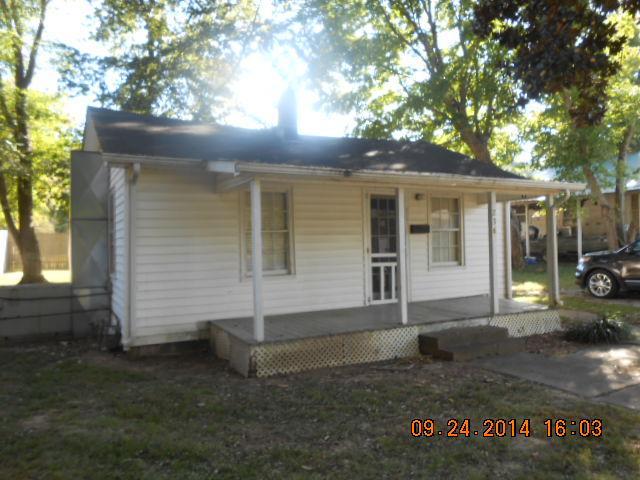 236 E Wyly St, Waverly, TN 37185