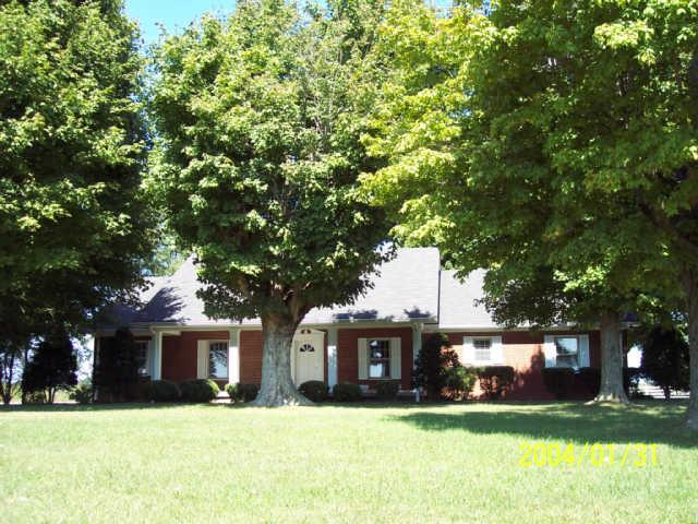 545 Old Gallatin Rd, Portland, TN 37148