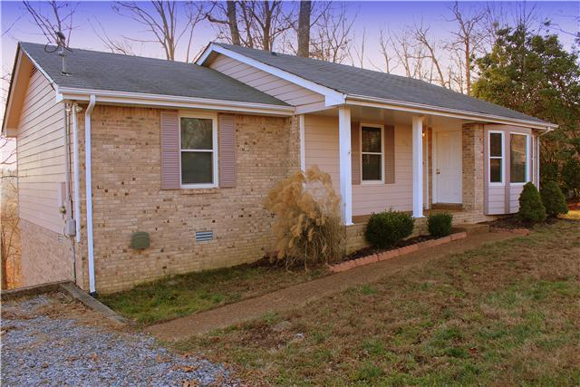 1832 Winding Way Dr, White House, TN 37188