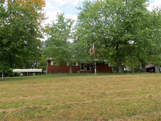 2978 S Main St, Tennessee Ridge, TN 37178
