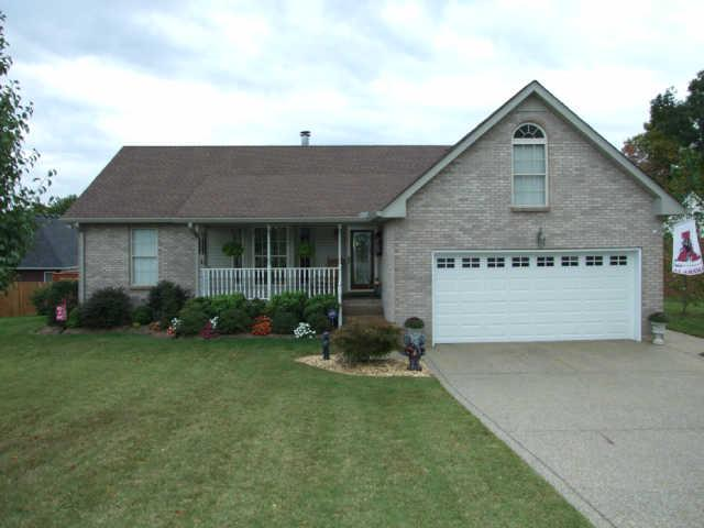 1152 Franklin Dr, Greenbrier, TN 37073