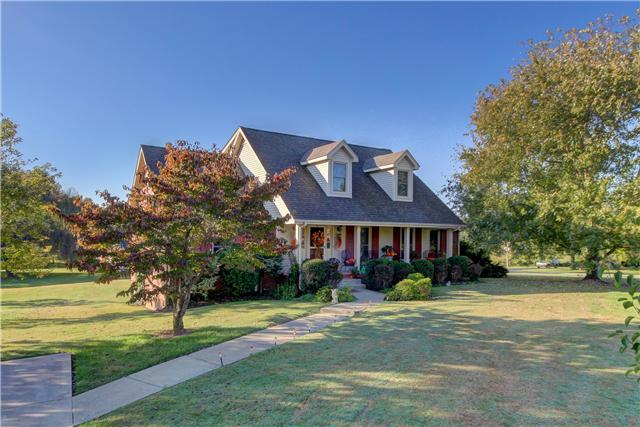 1303 Willow Bend Dr, Clarksville, TN 37043