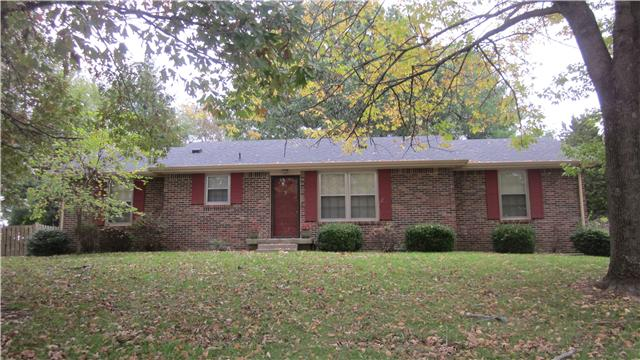 305 Meadowgreen Dr, Clarksville, TN 37040