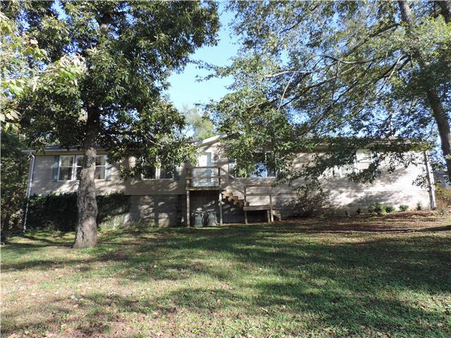 1431 Grays Chapel Rd, Southside, TN 37171