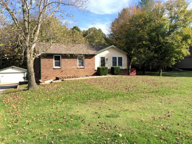 1865 Dinsmore Rd, Clarksville, TN 37040