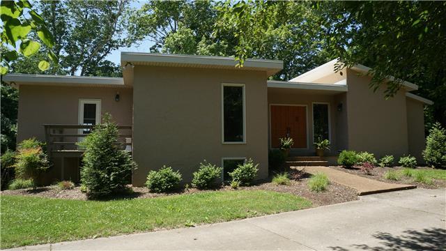 3210 Chapel Hill Rd, Clarksville, TN 37040