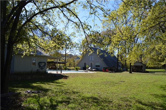 2540 Carl Fox Rd, Cornersville, TN 37047
