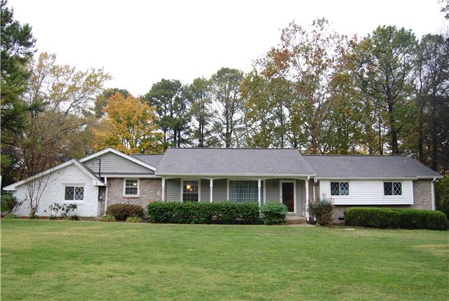 Rental Homes for Rent, ListingId:32220095, location: 215 LAKE TERRACE DR. Hendersonville 37075