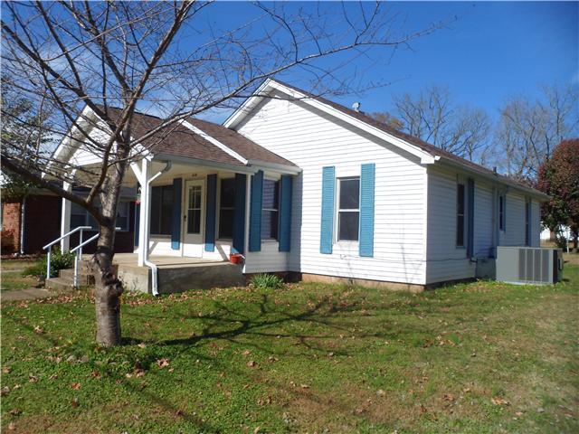 414 4th St, Lawrenceburg, TN 38464