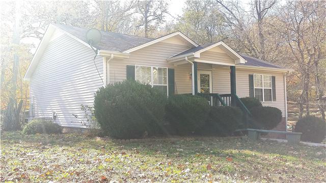 361 Hilltop Dr, Clarksville, TN 37040